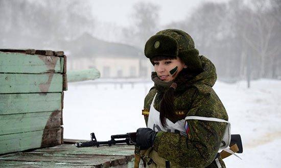320165184150734مجندات-الجيش-الروسى-(1)