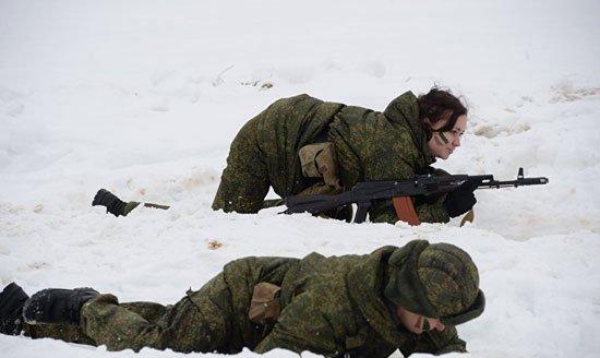 320165184150738مجندات-الجيش-الروسى-(6)